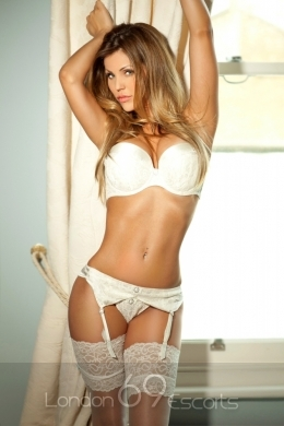 Amazing Renata Provides Incredible Escort Service in London